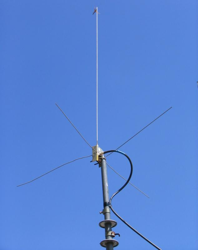 390872689372 besides Ka2pfl tripod furthermore Asymmetrical Hatted Dipole Antenna Prototype also 03vincentgap besides 261124602387. on tripod for ham radio antenna